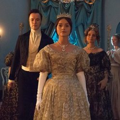 Meet_the_cast_of_Victoria
